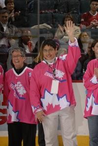 Angela James, center. (Photo: Hockey Hall of Fame)