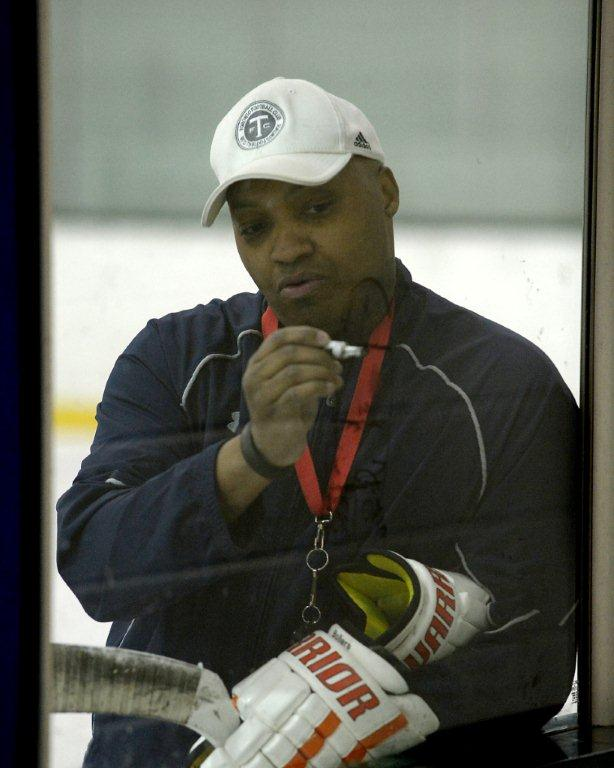how to become a hockey coach in ontario