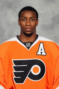 Flyers' Wayne Simmonds goes back to L.A., takes home NHL All-Star-Game MVP honor.