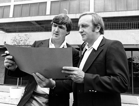Former Saint Mary's University hockey coach Bob Boucher, right, with then-Philadelphia Flyers head coach Pat Quinn (Photo/Philadelphia Flyers).